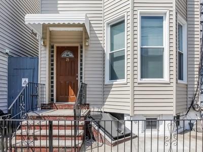 다가구 주택 for sales at Lovely Three Family Townhouse 23 North Henry Street Brooklyn, 뉴욕 11222 미국