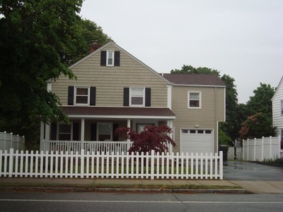 Single Family Home for sales at Ocean Ave 635 Ocean Ave  New London, Connecticut 06320 United States