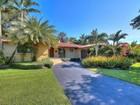 Vivienda unifamiliar for  rentals at 1314 San Remo Ave  Coral Gables, Florida 33146 Estados Unidos