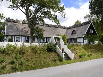 Casa para uma família for sales at Semi-timbered longhouse in Börringe Börringe Kyrkoväg 23 Other Skane, Skane 23391 Suécia