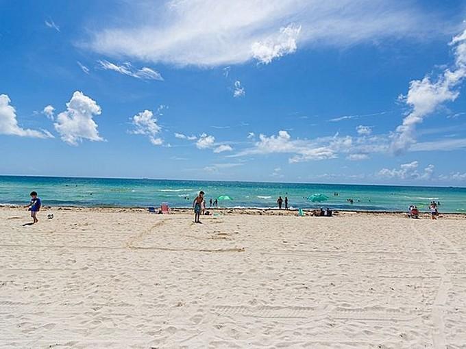 Кооперативная квартира for sales at La Gorce Palace Condo 6301 Collins Ave Unit 1805   Miami Beach, Флорида 33141 Соединенные Штаты
