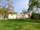 獨棟家庭住宅 for sales at Private Gated Colonial 12 Briarcliff Road Chappaqua, 紐約州 10514 美國