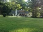 Casa Unifamiliar for  sales at Park Cottages 18 Ridge Road   Tuxedo Park, Nueva York 10987 Estados Unidos