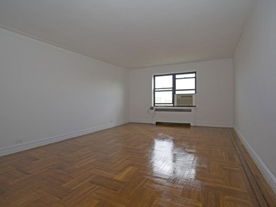 Nhà tập thể for sales at Renovated Corner 2 BR Steps to Johnson Ave 3215 Netherland Avenue 6A  Riverdale, New York 10463 Hoa Kỳ