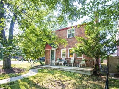Villa for sales at Brightwood: 1224 Aspen St NW 1224 Aspen Street Nw Washington, Distretto Di Columbia 20012 Stati Uniti
