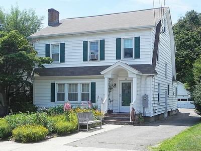 단독 가정 주택 for sales at Waterfront Neighborhood 62 Cove Avenue  Norwalk, 코네티컷 06855 미국