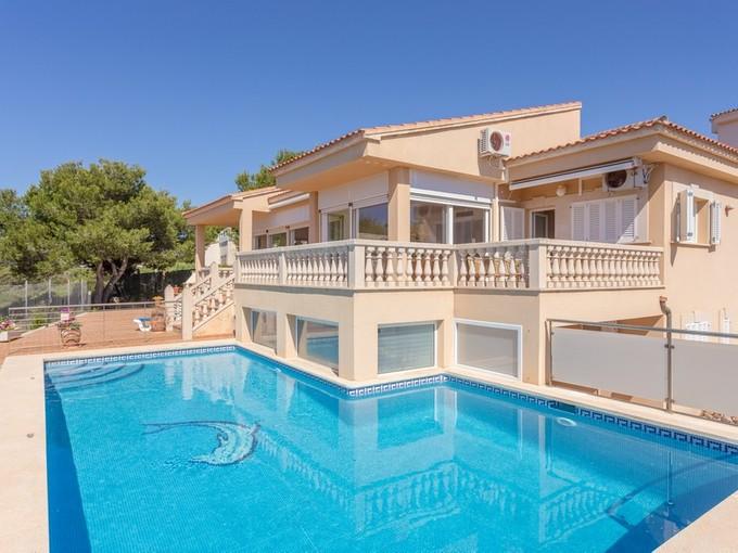 Nhà ở nhiều gia đình for sales at Seafront Villa in Porto Colom   Porto Colom, Mallorca 07670 Tây Ban Nha