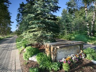 Земля for sales at Spectacular Elevated Valley Views 2205 W. Pemmican Road North Jackson Hole, Вайоминг 83001 Соединенные Штаты
