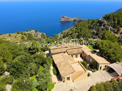 Casa multifamiliare for sales at House on the coast of Deia overlooking Sa Foradada  Valldemossa, Maiorca 07170 Spagna