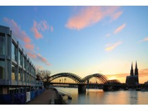 Condominio for sales at The View - spectacular view over the Rhine River and Cologne Cathedral Kennedy-Ufer 11 Cologne, Nord Reno-Westfalia 50679 Germania