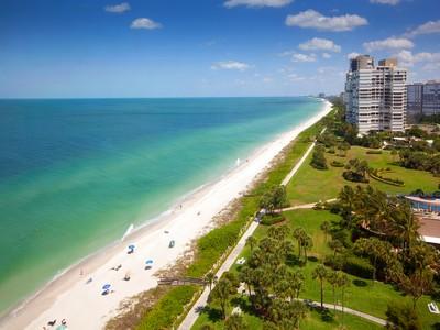 Nhà chung cư for sales at PARK SHORE - LA MER 4051  Gulf Shore Blvd  N PH-102  Naples, Florida 34103 Hoa Kỳ