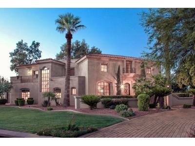 단독 가정 주택 for sales at Totally Renovated Paradise Valley Home with Timeless Design & Luxury Amenities 8450 N Pisado Bueno Paradise Valley, 아리조나 85253 미국