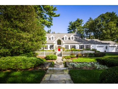 Maison unifamiliale for sales at Storybook Beginning With A Happy Ending 1 Lafayette Road West Princeton, New Jersey 08540 États-Unis