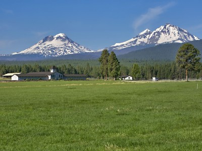 Farm / Ranch / Plantation for sales at Patterson Ranch 15425 McKenzie Hwy Sisters, Oregon 97759 United States