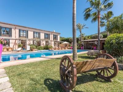 Nhà ở nhiều gia đình for sales at Finca within walking distance to Port Andratx  Port Andratx, Mallorca 07157 Tây Ban Nha