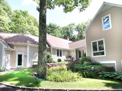 Casa Unifamiliar for sales at Airy Contemporary 16 Oak Meadow Road  Lincoln, Massachusetts 01773 Estados Unidos