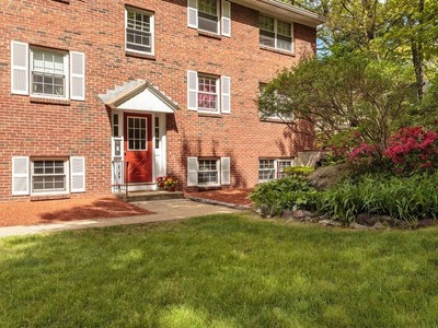 Condominium for sales at Garden Style Condo at Desirable Preston Park Condominiums 68 Preston Street Unit 9E Wakefield, Massachusetts 01880 United States