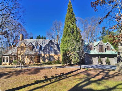 "Moradia for sales at Historic Newnan ""Love Cottage"" 224 Jackson Street Newnan, Geórgia 30263 Estados Unidos"
