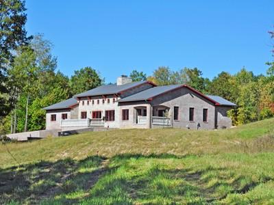 Maison unifamiliale for sales at Dryden Township 5895 Hemsptead Oxford, Michigan 48371 États-Unis