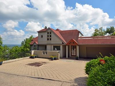Villa for sales at Sweeping River Views 1767 E. McMillan Ave Cincinnati, Ohio 45206 Stati Uniti