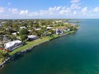 Einfamilienhaus for sales at Ocean Front Home at Ocean Reef 103 Andros Road Key Largo, Florida 33037 Vereinigte Staaten