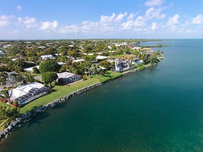 Maison unifamiliale for sales at Ocean Front Home at Ocean Reef 103 Andros Road Key Largo, Florida 33037 États-Unis