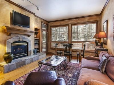 Condominium for sales at Oxford Court #108 31 Avondale Lane #108 Beaver Creek, Colorado 81620 United States