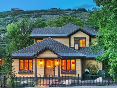 Maison unifamiliale for sales at Old Town Charm 1160 Park Ave  Park City, Utah 84060 États-Unis