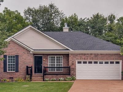 Частный односемейный дом for sales at 724 Settlers Court   Nashville, Теннесси 37221 Соединенные Штаты