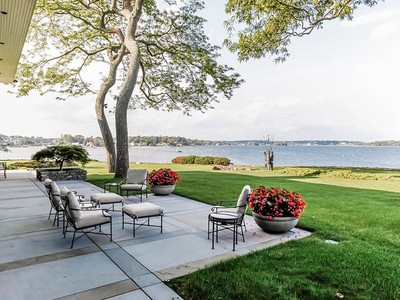 Maison unifamiliale for sales at Stunning Direct Waterfront Property 54 Island Drive Rye, New York 1080 États-Unis