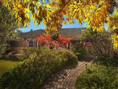 Maison unifamiliale for sales at Unique French Style Estate 225 Red Rock Drive Sedona, Arizona 86351 États-Unis