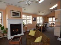 Eigentumswohnung for sales at Gabriel's 104-A Bradford Street, Unit 1   Provincetown, Massachusetts 02657 Vereinigte Staaten