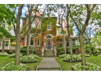 Moradia for sales at Imposing Rosedale Mansion 88 Crescent Road Toronto, Ontario M4W1T5 Canadá