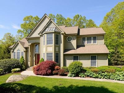 Tek Ailelik Ev for sales at The Woodlands 19 Cedar Drive Tuxedo Park, New York 10987 Amerika Birleşik Devletleri