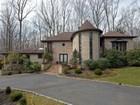 Einfamilienhaus for  sales at 17 Seven Oaks Dr  Holmdel, New Jersey 07733 Vereinigte Staaten