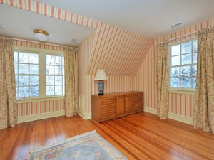 Additional photo for property listing at Lovingly Restored Carriage House 15 Wheatsheaf Farm Road   Morris Township, New Jersey 07960 United States
