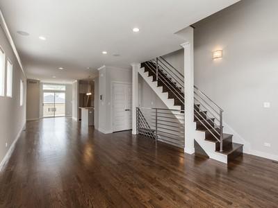 独户住宅 for sales at Modern Design & Custom Finishes 2745 N Albany Avenue Chicago, 伊利诺斯州 60647 美国