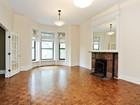 Eigentumswohnung for sales at Expansive Two Bedroom Plus Den Simplex 1526 N LaSalle St, Unit 3 Chicago, Illinois 60610 Vereinigte Staaten