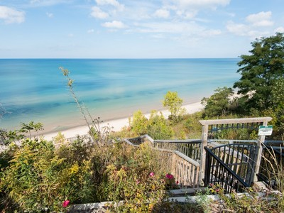 Land for sales at Lots 18-20 Miami Avenue  South Haven, Michigan 49090 United States