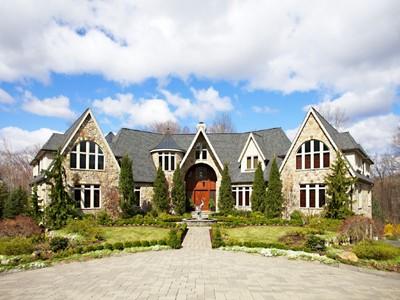 Casa para uma família for sales at Absolutely Spectacular 16 Wildlife Run Boonton Township, Nova Jersey 07005 Estados Unidos