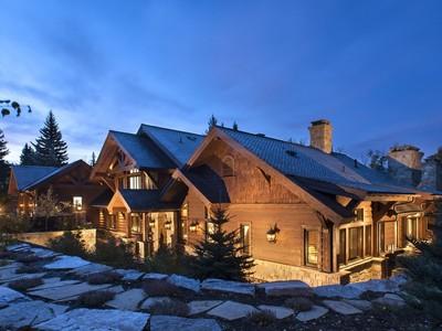 Maison unifamiliale for sales at Whitefish Lake Masterpiece 1488 Barkley Lane Whitefish, Montana 59937 États-Unis