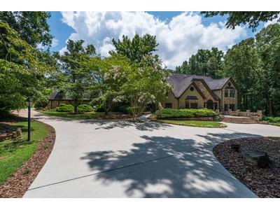 一戸建て for sales at Private European Manor 14770 Glencreek Way Alpharetta, ジョージア 30004 アメリカ合衆国