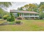Villa for  sales at 61 Willow Court 61 Willow Ct   Shrewsbury, New Jersey 07702 Stati Uniti