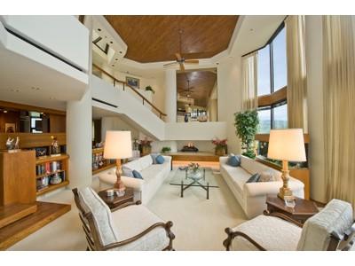 Copropriété for sales at A Higher Standard of Living at Craigside Penthouse 38 S. Judd Street #PH1   Honolulu, Hawaii 96817 États-Unis