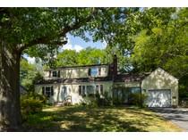 단독 가정 주택 for sales at Loads Of Potential In Littlebrook 290 Hamilton Avenue   Princeton, 뉴저지 08540 미국