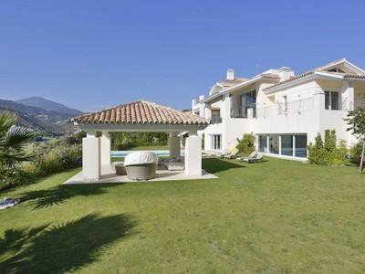 Частный односемейный дом for sales at Stylish modern villa on an elevated plot with lovely golf views BENAHAVIS  Marbella, Андалусия 29679 Испания