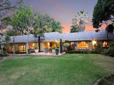 Maison unifamiliale for sales at Charming English Country cottage Johannesburg, Gauteng Afrique Du Sud