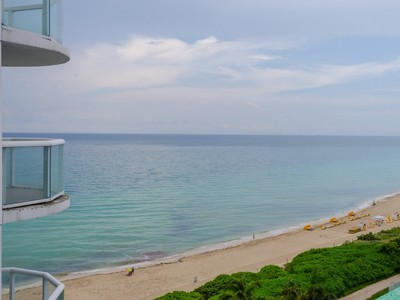コンドミニアム for sales at 6365 Collins Ave #1204  Miami Beach, フロリダ 33141 アメリカ合衆国