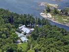 Maison unifamiliale for  sales at Grey Stone Farm 73 Back Door Rd  Westport Island, Maine 04578 États-Unis