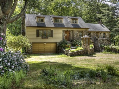 Single Family Home for sales at Footbridge Over Indian River 27 Cream Pot Road Clinton, Connecticut 06413 United States